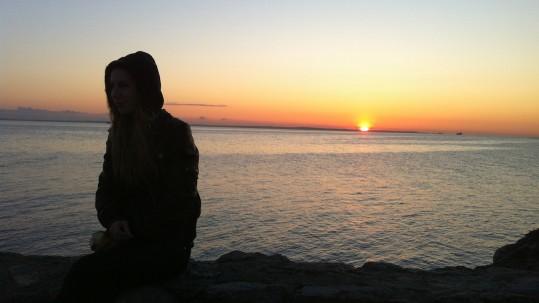 Pige solnedgang